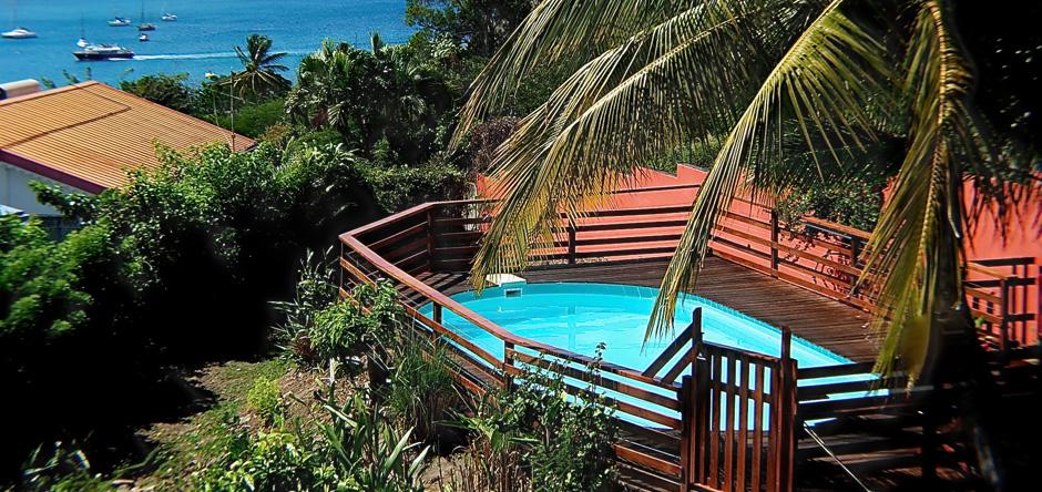 La magnifique vue de la piscine d'Au ti Bonheur